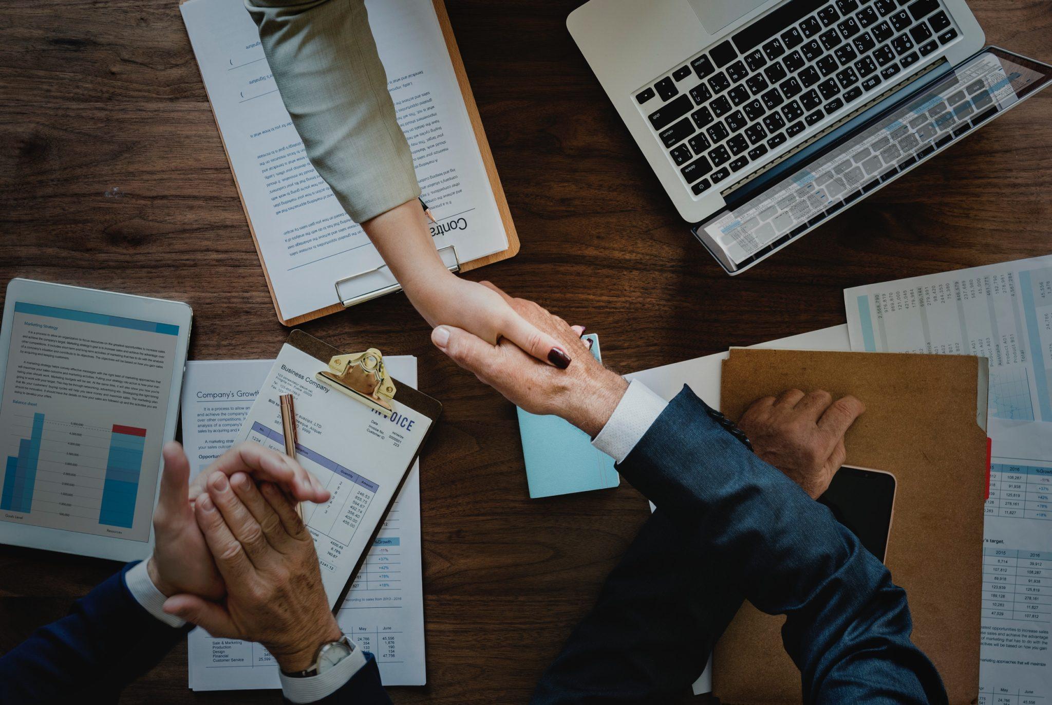 Umowa wdrożeniowa – darmowy kurs on-line dla IT